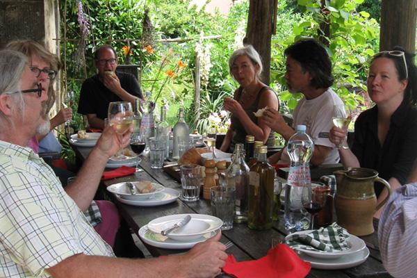 dining-07-600x400